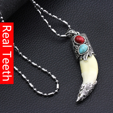Real Teeth Red/Green Turquoise Neclace Pendant for anti-evil