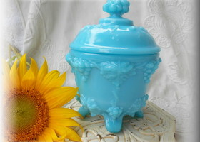 Vintage Fenton Covered Candy