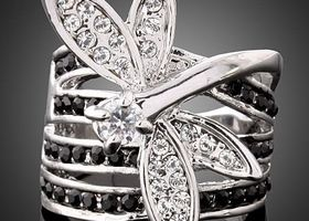 18k White Gold Plated Lovely Dragonfly Ring