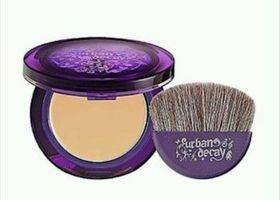 Urban Decay Surreal Skin Cream To Powder Foundation