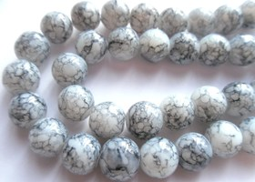 *32 inch Strand White and Grey 10mm Mottled Glass Beads