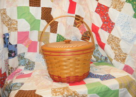 1999 Longaberger Rare Apple Basket