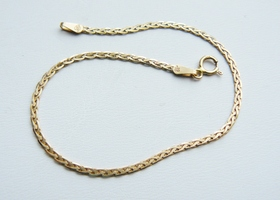 14k gold made in Italy weaved bracelet
