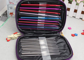 New~22 set Crochet Needle Set w/carrying case
