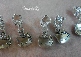 *P 5 Hello kitty Euro Dangles