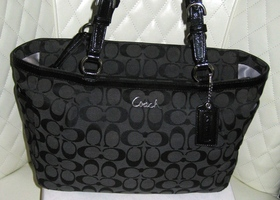 COACH Black Gallery Signature East West Tote