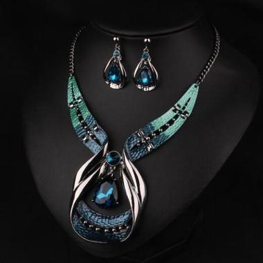THE FASHION  Women Casual Jewelry Set Decoration Necklace Diamondo With Earring