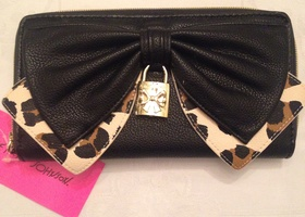 NWT Betsey Johnson Bow Zip Around Wallet