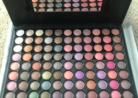 88 Pro Eyeshadow Palette Cool Colors