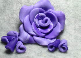 Candy's Purple Polymer Rose Set