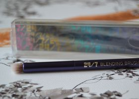 URBAN DECAY 24/7 BLENDING BRUSH -NEW/SEALED IN BOX-