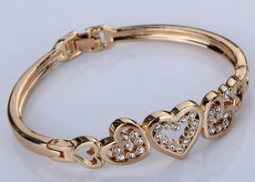 Lovely Gold Tone Alloy Crystal Hearts Bangle Bracelet