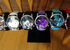 Disney Mickey Mouse Style Quartz Wrist Watch