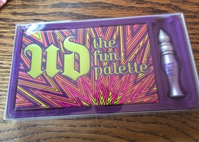 NIB Urban Decay Fun Palette