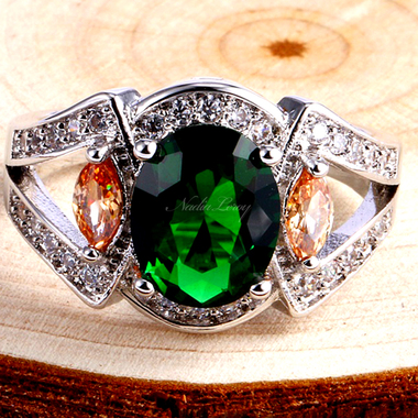 Marvellous Emerald Sterling Silver 925 Ring