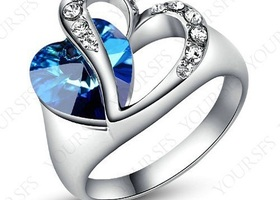 Gorgeous!!! 18K White Platinum plated ring