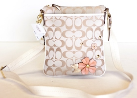 COACH NEW Signature Khaki Floral Swingpack #47212