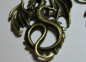 20 Antiqued Brass Dragons Pendents