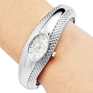 2017 Silver Band Stainless Steel Bangle Wristwatch