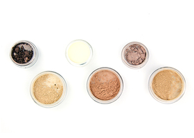 Light to Medium Kit - Mineral Foundation, Glow.....
