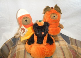 Set of 3 Boyds Bears in Halloween Costumes