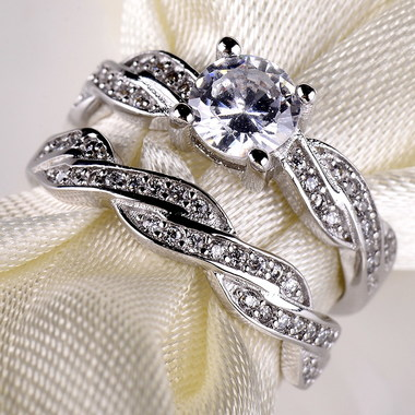 Women White Diamonique A wedding ring