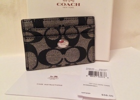 NWT Coach Peyton Signature Card Case