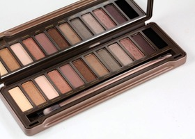 Urban Decay Naked 2  Palette Ships Priority Mail!