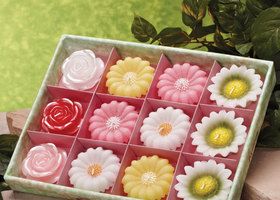 Floating Flowers Candles set of 12
