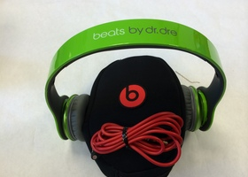 Beats SOLO HD - Refurbished - Lime Green
