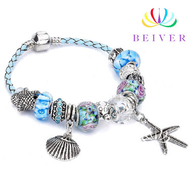 Luxury Charms Bracelets with Shining Crystals in Silver Plated