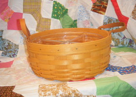 1999 Longaberger Darning Basket