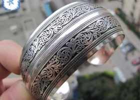 Beautiful Tibetan scroll design cuff bracelet
