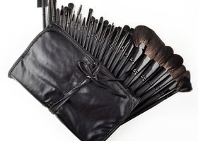 NEW PRO 32 Black Makeup Brush Cosmetic Kit with Case