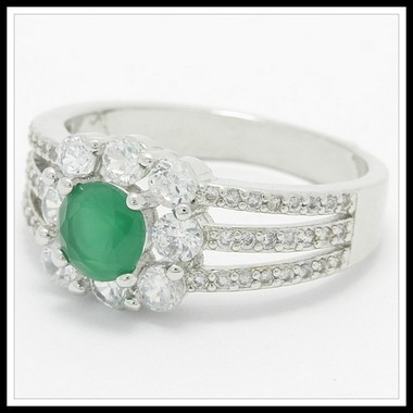 1.75ctw Beautifully Created Fine Emerald & White Sapphire Ring SM9113