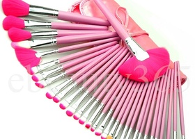 32 Piece Makeup Brush Set w/Case