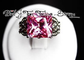 Szs 5-10 Pink Radiant Cut Heart-Detailed Band SS Ring