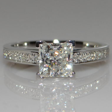 Super Shinning Princess Cut Clear AAA Zircon Ring In White Gold Filled