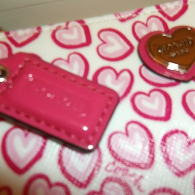 Just In! NIB Coach Heart Print Wristlet - Boxed